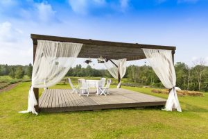 How to Clean a Pergola